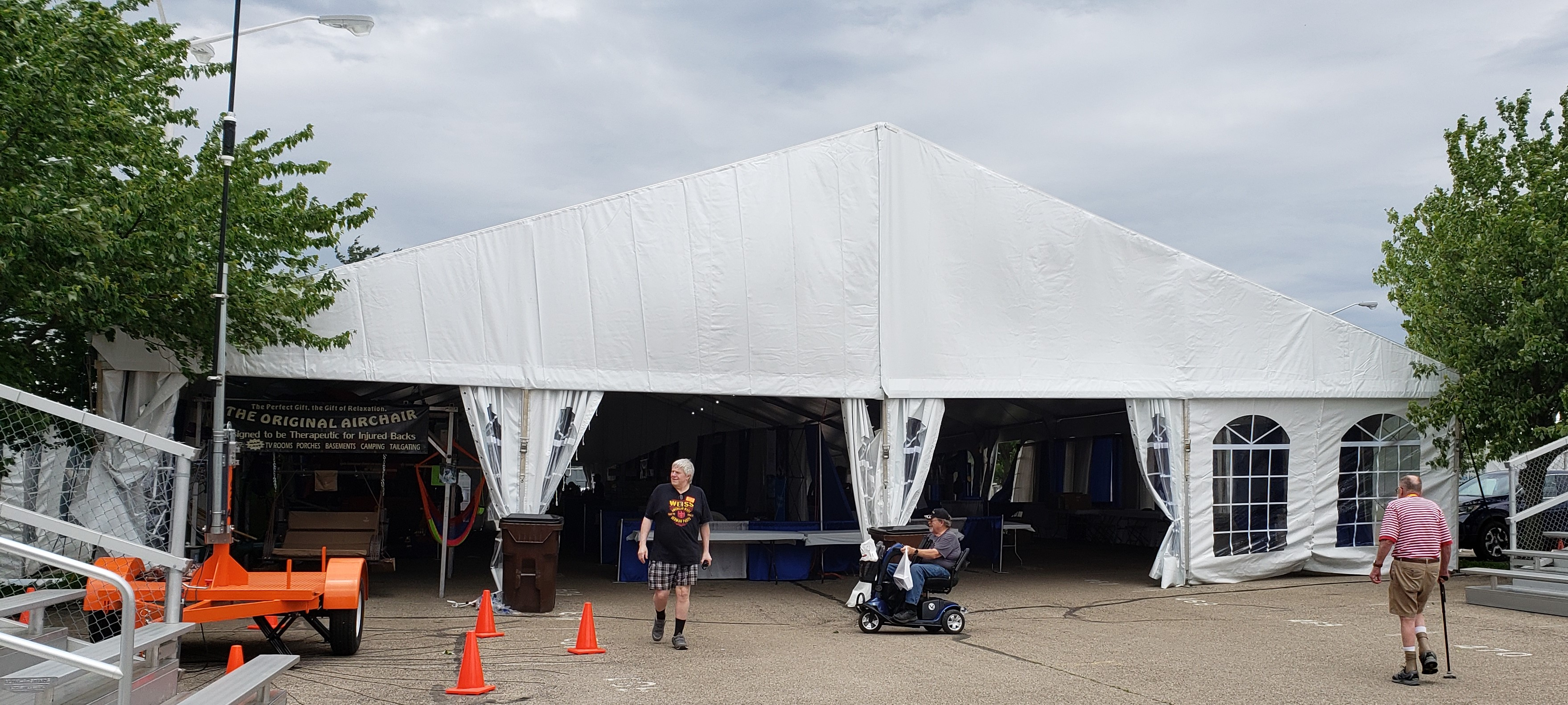 Photo of Hamvention 2019 Watts Tent Building where the Handiham Booth was housed.