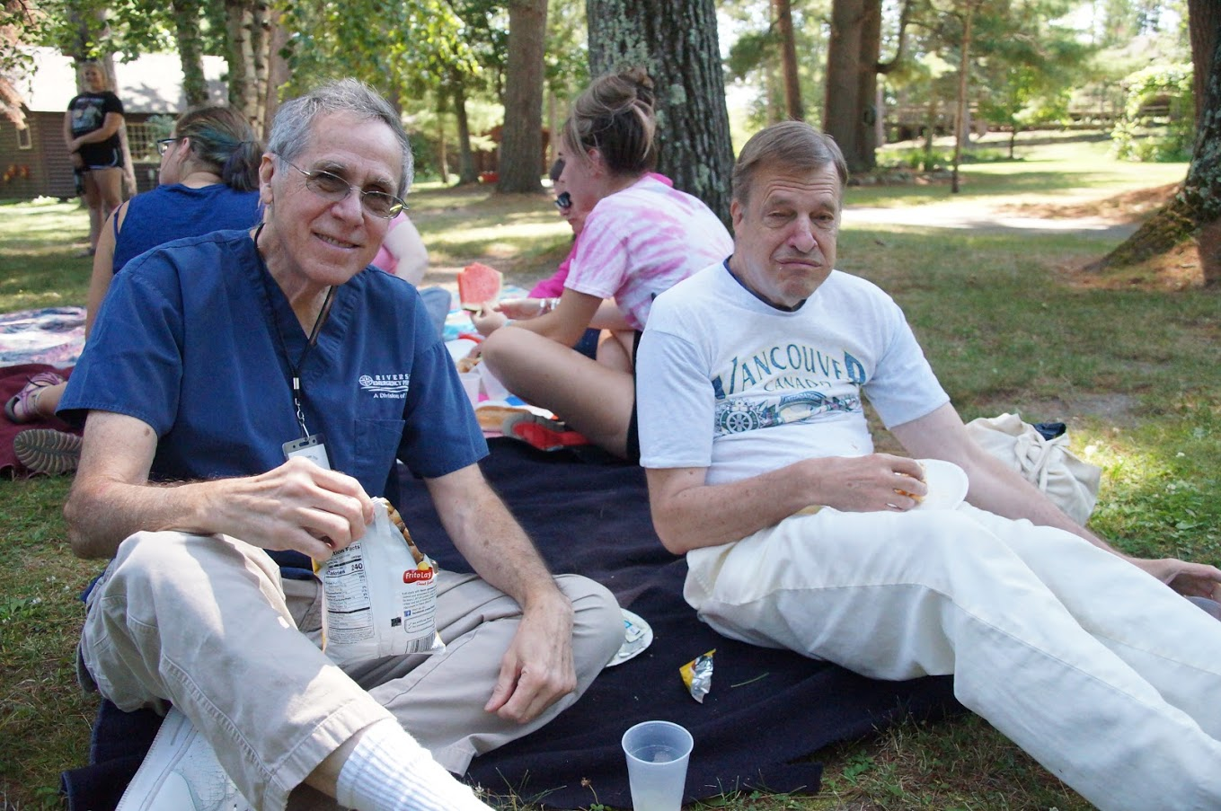 photo of Dr. Dave enjoying a picnic lunch with Extra Class student Bob